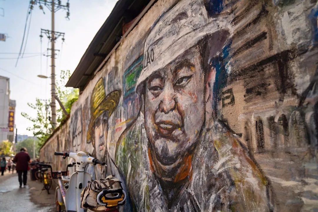 美食街彩绘传承的记忆