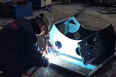 精细手工焊工