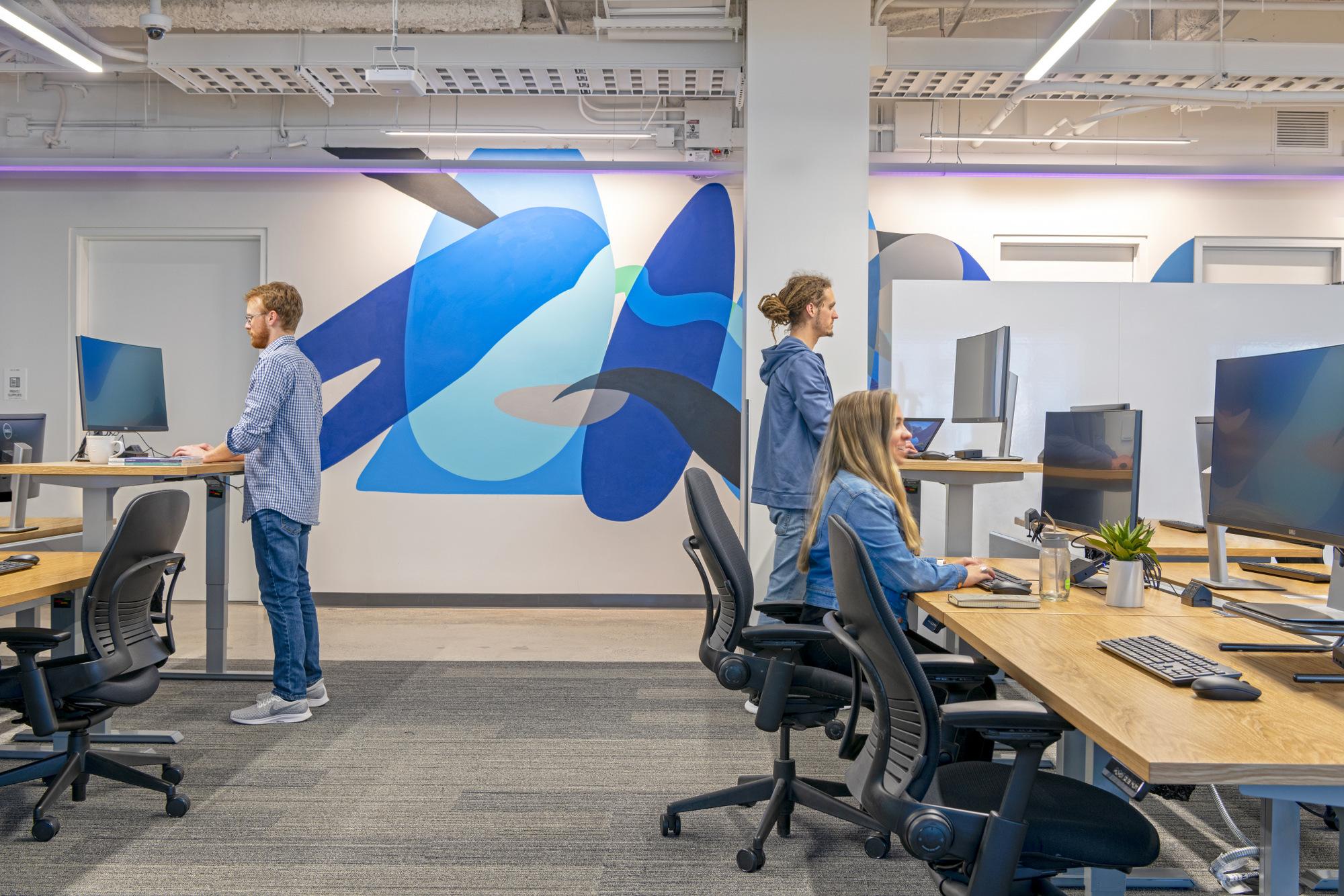 如何做出孟菲斯风格的办公室设计?