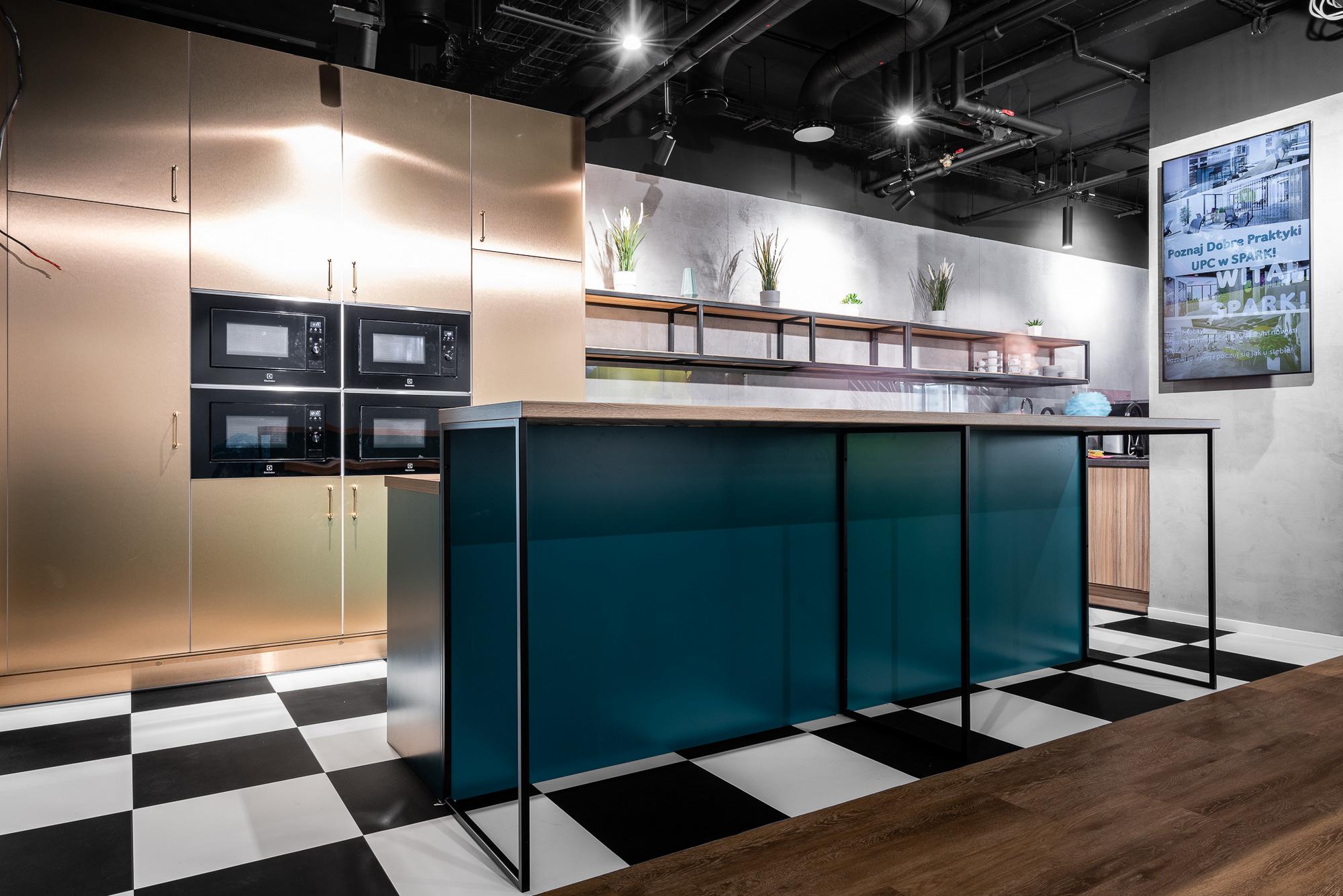 办公室设计中关于强化地板应用材质分析!