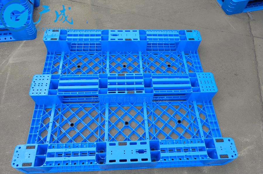 1210A網格川字塑料托盤底部