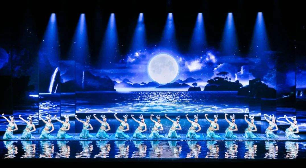 舞台常用灯具及特点