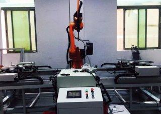 关注-佳士机器人丝网印版铝框焊接机器人工作站