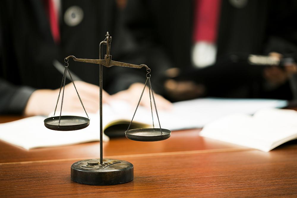 妻子私自将存款转给自己母亲和弟弟,法院判决其少分财产