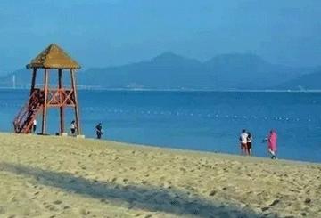 清泉古寺祈福,踏浪霞涌黄金海岸