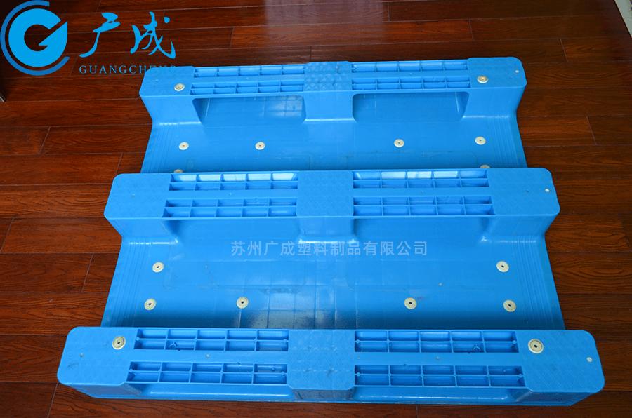 1210E焊接平板川字塑料托盘反面