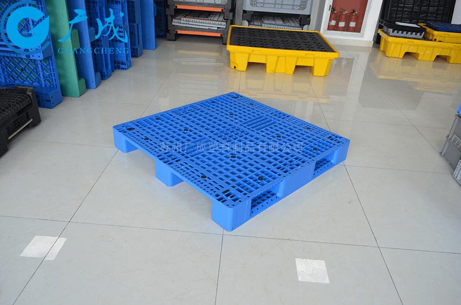 1212網格川字塑料托盤45°擺放特寫