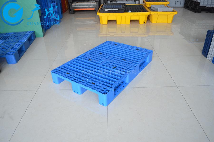 1208網格川字塑料托盤45°擺放特寫