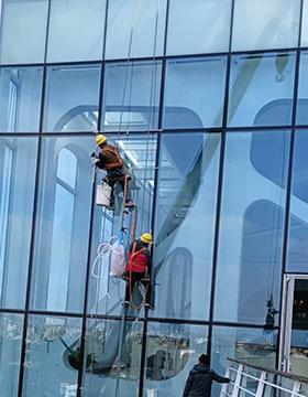 高空玻璃更换