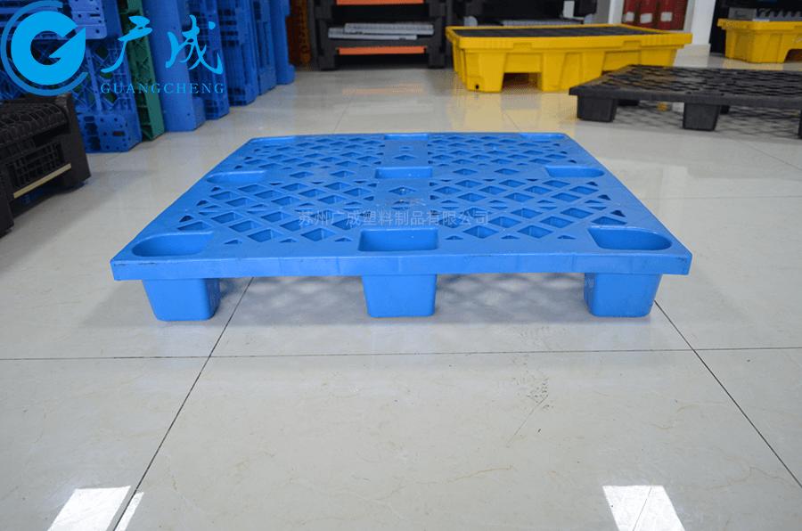 1010B可套疊網格九腳塑料托盤側面