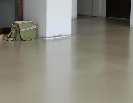 水泥自流地坪