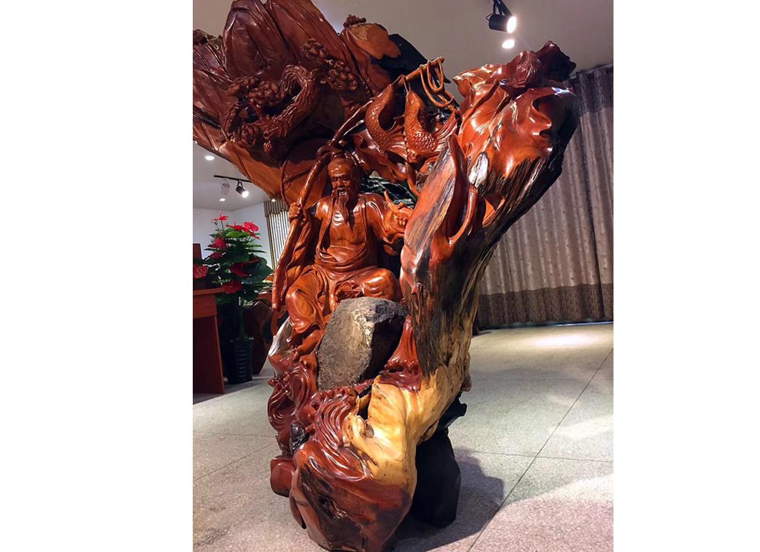 华东酸枝厂家教你好的木雕作品怎么挑选