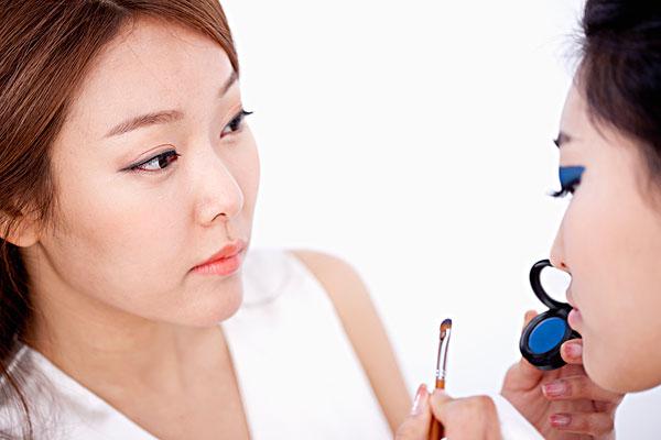 藻蓝蛋白在彩妆上的应用