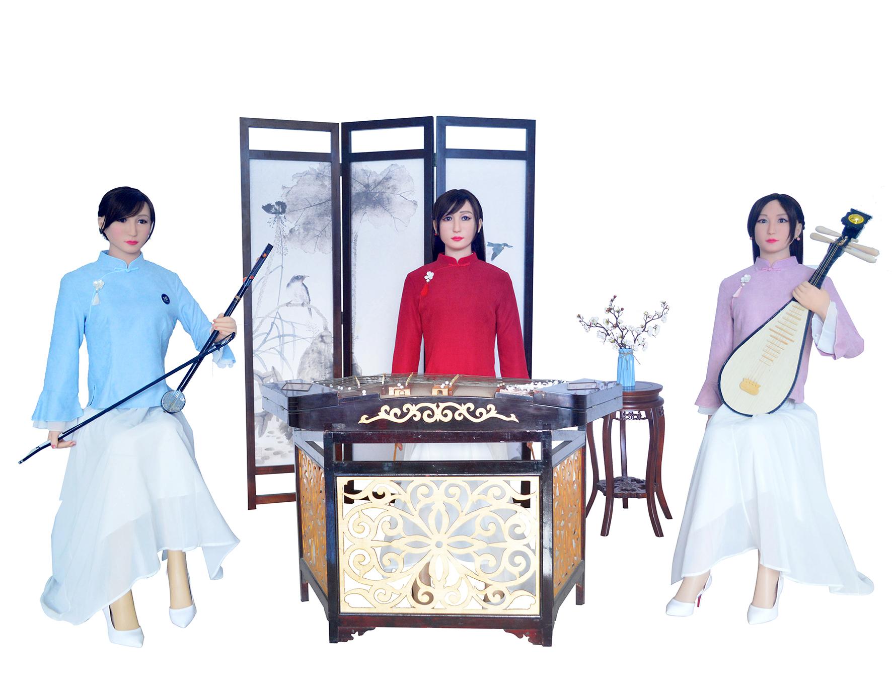 三人组表演机器人