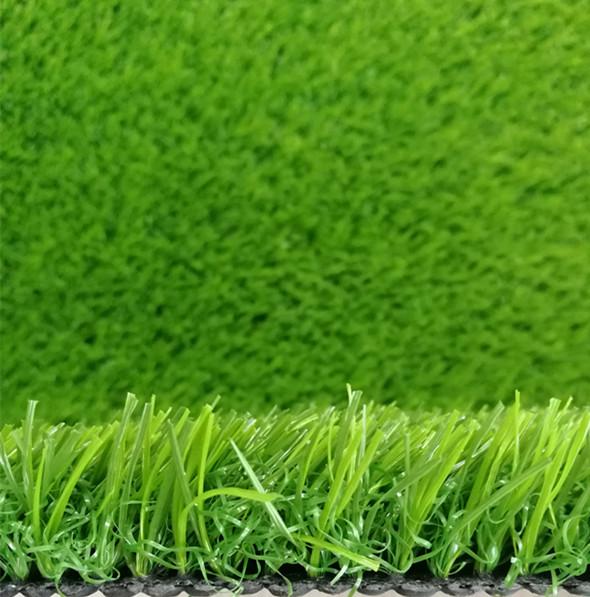 人造草坪上的垃圾清理方法以及日常维护