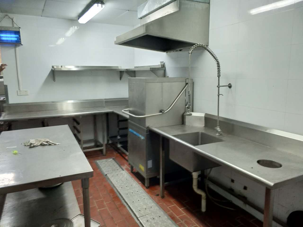 泉州伟德国际bv1946厨具定制为什么要选择不锈钢材质