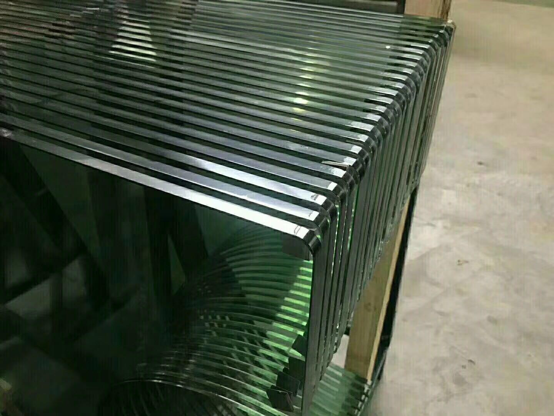 异形钢化玻璃2