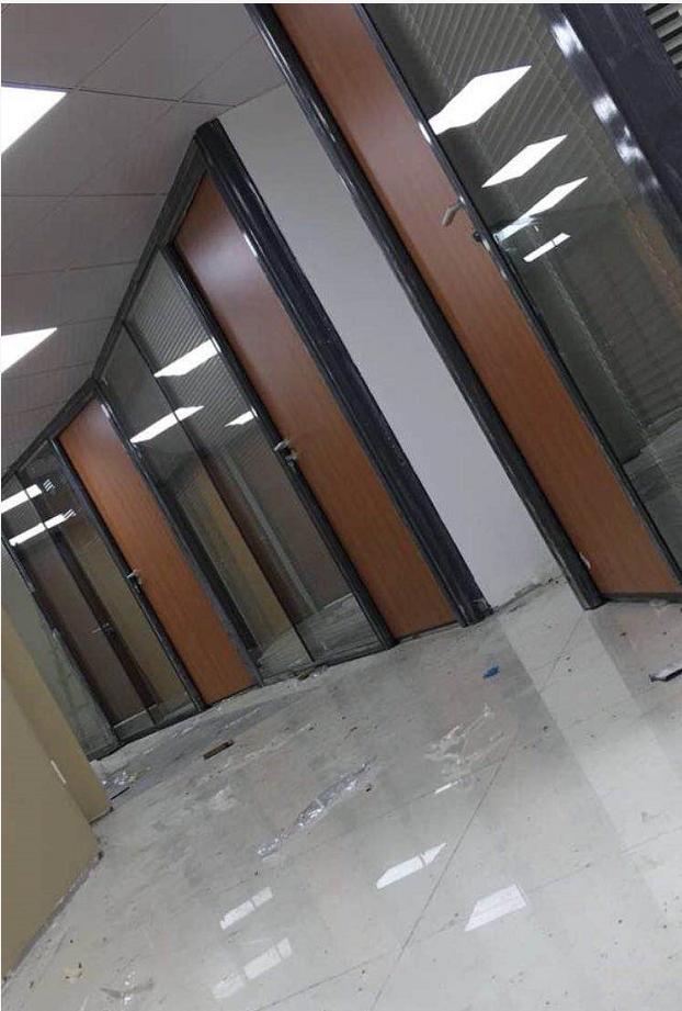 走廊隔墻玻璃