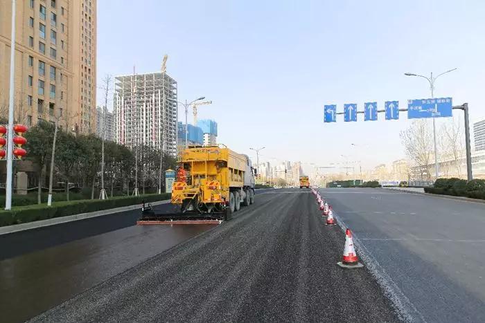 城市道路功能化复合封层在新乡、虞城多地应用