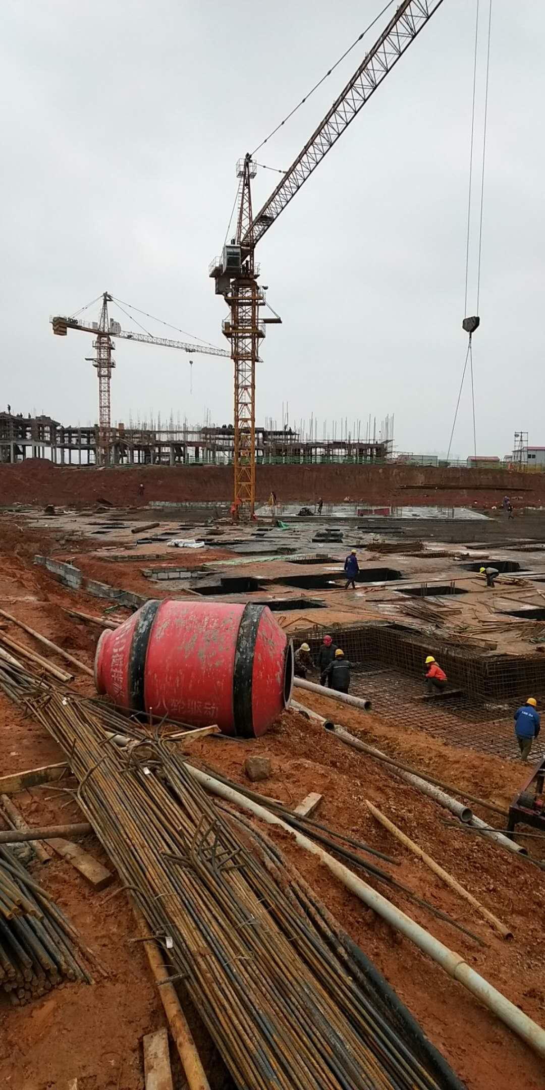 建筑工地木方到达施工工地