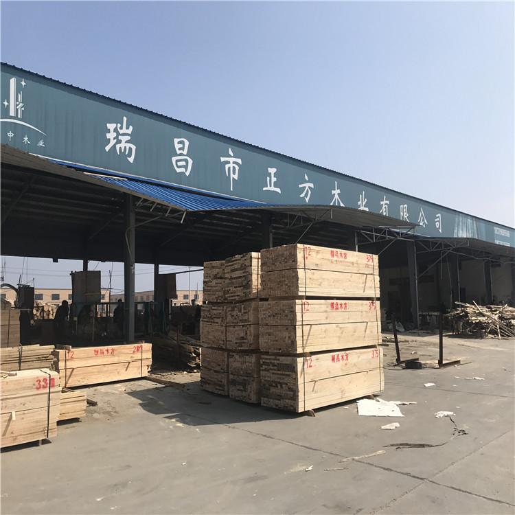 江西建筑木方发往湖北通城工地
