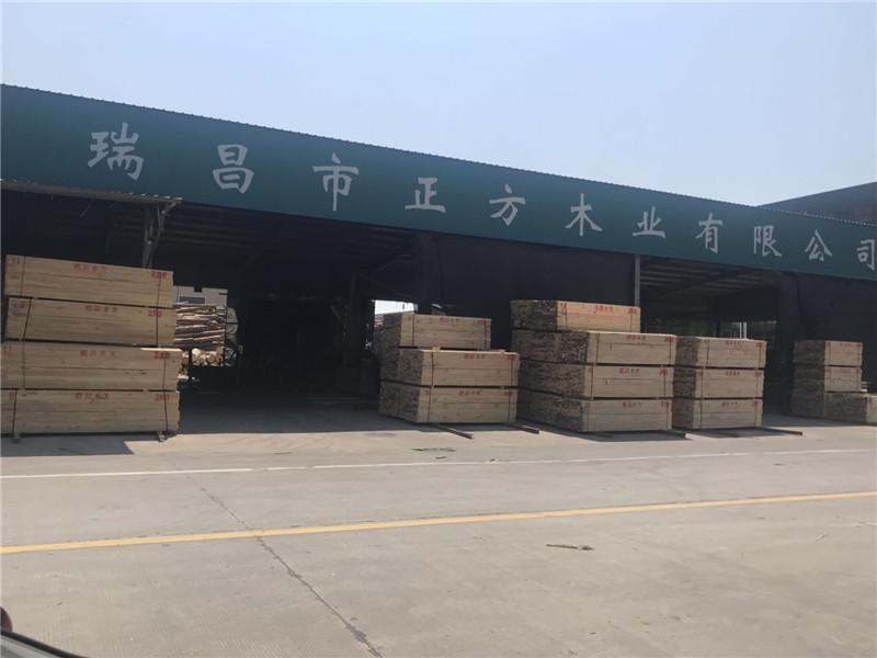 武漢木材市場發黃岡黃州建筑工地木方模板