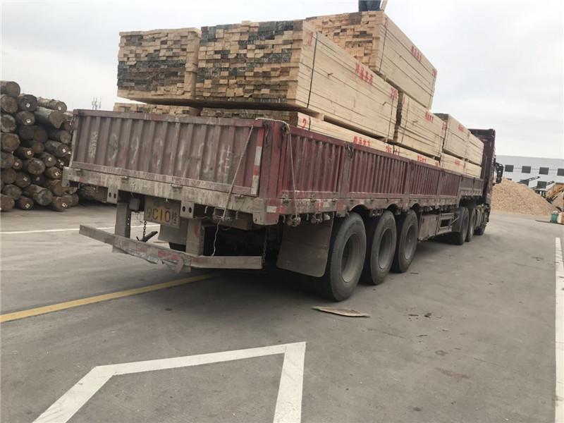 武漢方木廠家發往孝感木材市場