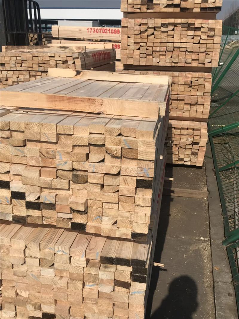 橋梁建筑模板木方,你只管預訂,剩下的交給木材加工廠