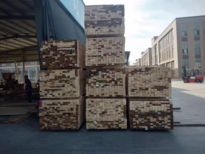 工程方木堆放