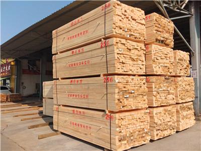 木材加工廠的方木