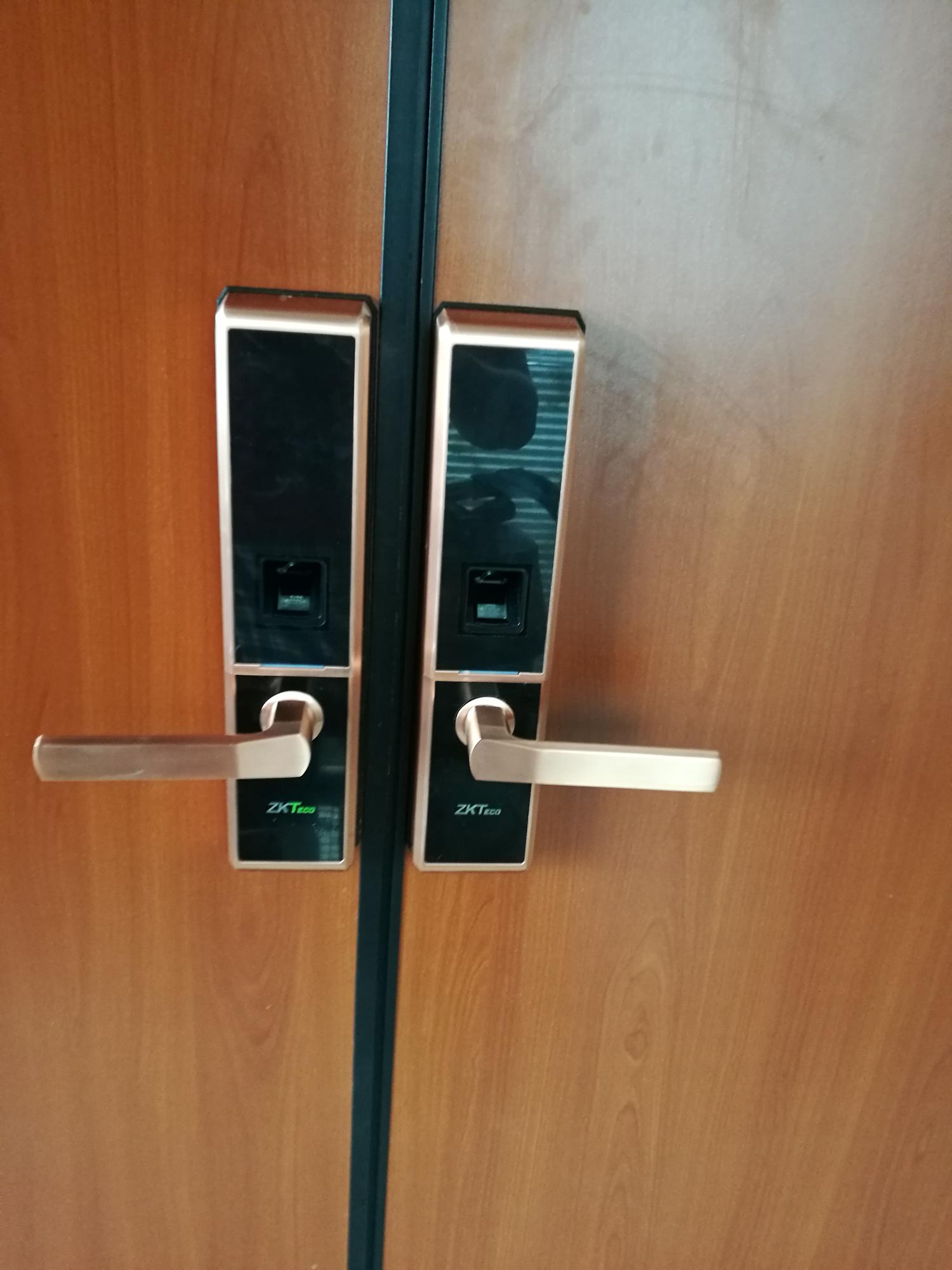 TL100對開木門安裝實例