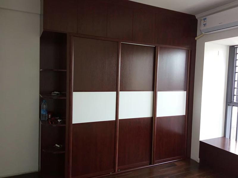 现代风格衣柜