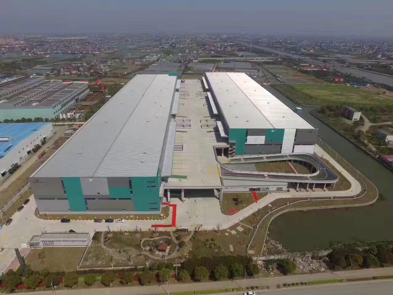上海雨湃建筑节能工程有限公司