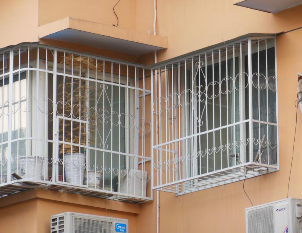 小区高层浸塑护网案例