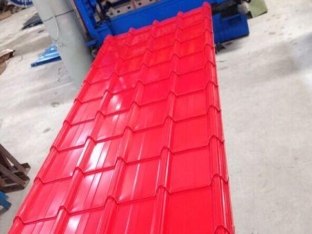 創興告訴您彩鋼板制作成圍擋有什么特點?