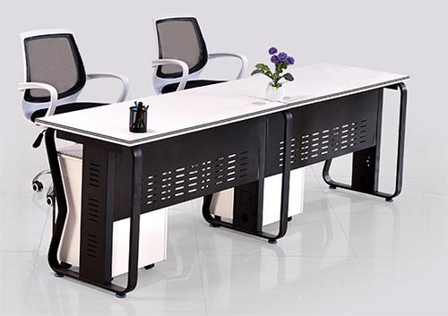 职员办公桌定做行业发展趋势
