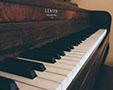 左手在钢琴演奏中的地位