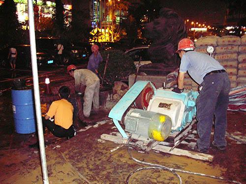 路面裂缝注浆施工