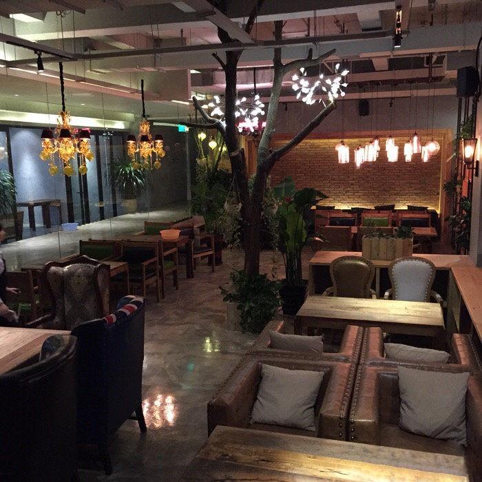 上岛咖啡餐厅桌椅