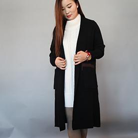 黑色女款羊绒大衣