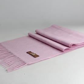 粉色羊绒围巾