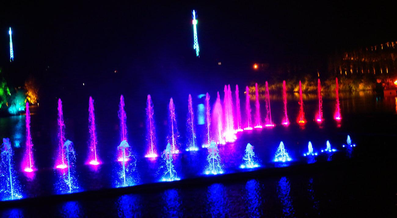 八爾湖噴泉
