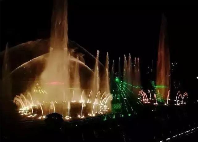大竹白塔水街音乐