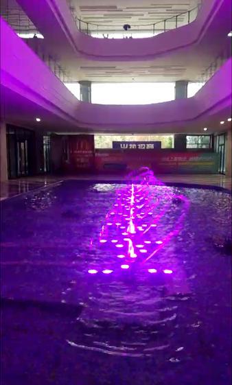 时代豪廷室内喷泉试水