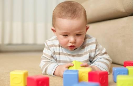 宝宝走路早晚代表着智商高低?你家孩子多大会走路的?