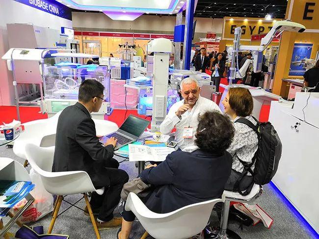阿拉伯国际医疗设备博览会5_力新仪器