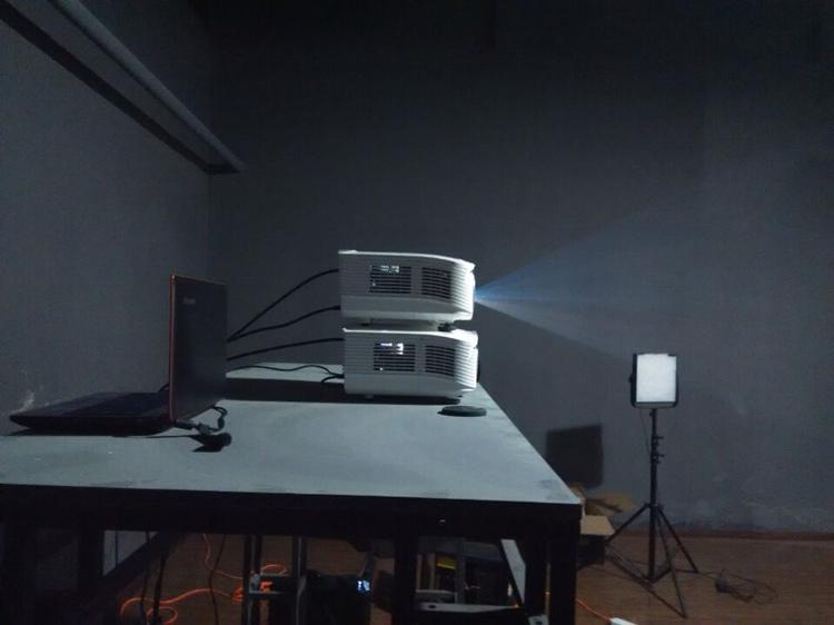 苏彭电子与您分享多台投影仪如何叠加投影