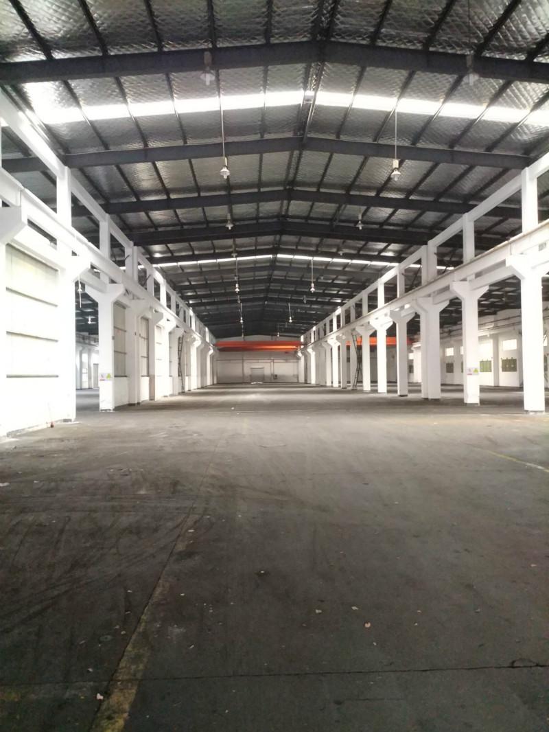 漕泾镇104板块带行车厂房仓库出租