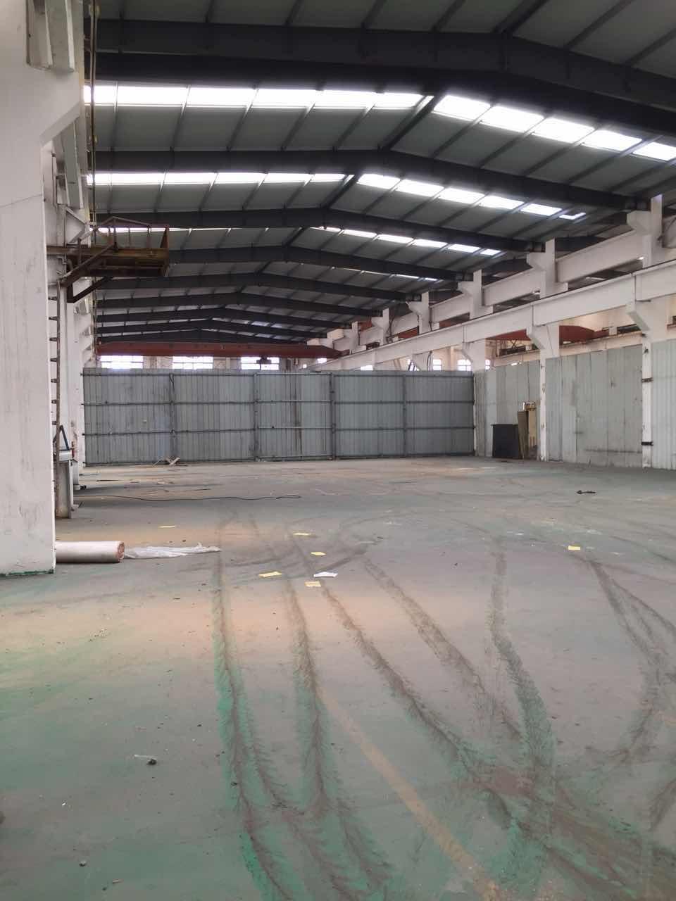 漕泾镇104板块2700平方厂房仓库出租,全单层