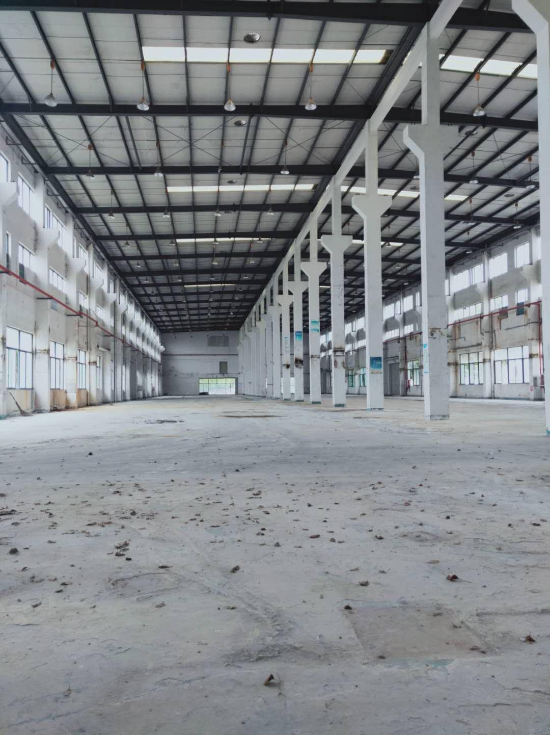 朱行镇4200平104板块火车头厂房仓库出租,形象好